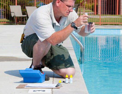 How to Choose the Best Swimming Pool Cleaners