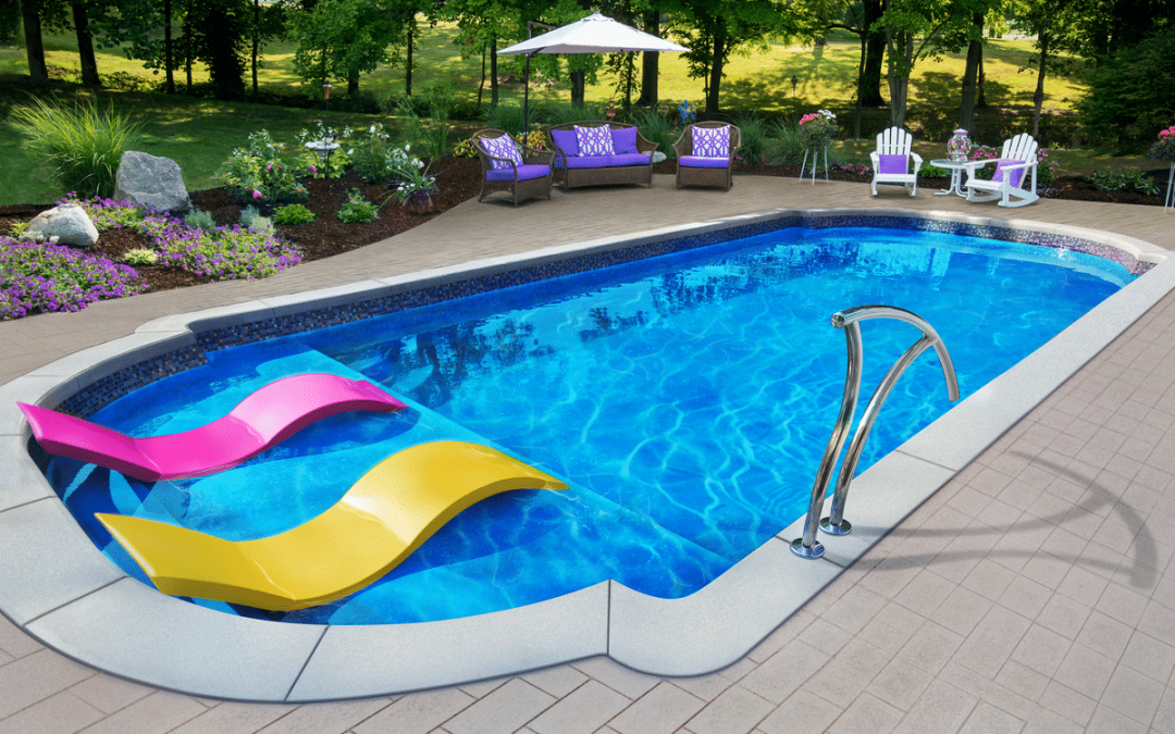 Advantage and Disadvantage of a Fiberglass Pool