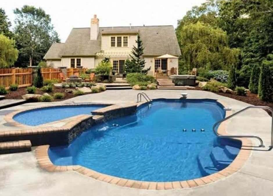 How to Clean Your Fiberglass Pool